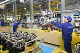Работники на производство автозапчастей (Польша)